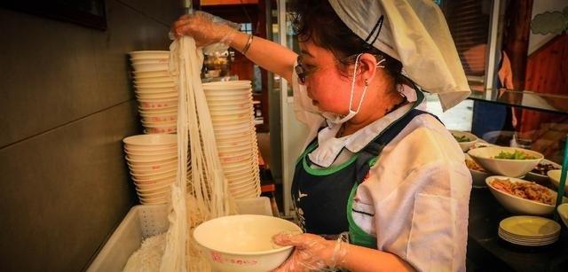「大嘴搜食」云南风味,一根米线串起乡愁