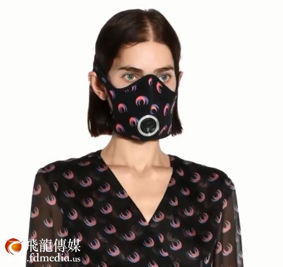 巴黎时装周如火如荼地进行,口罩走上舞台成最受欢迎的时尚单品
