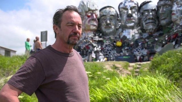 雕塑艺术家乔·拉什(Joe Rush)